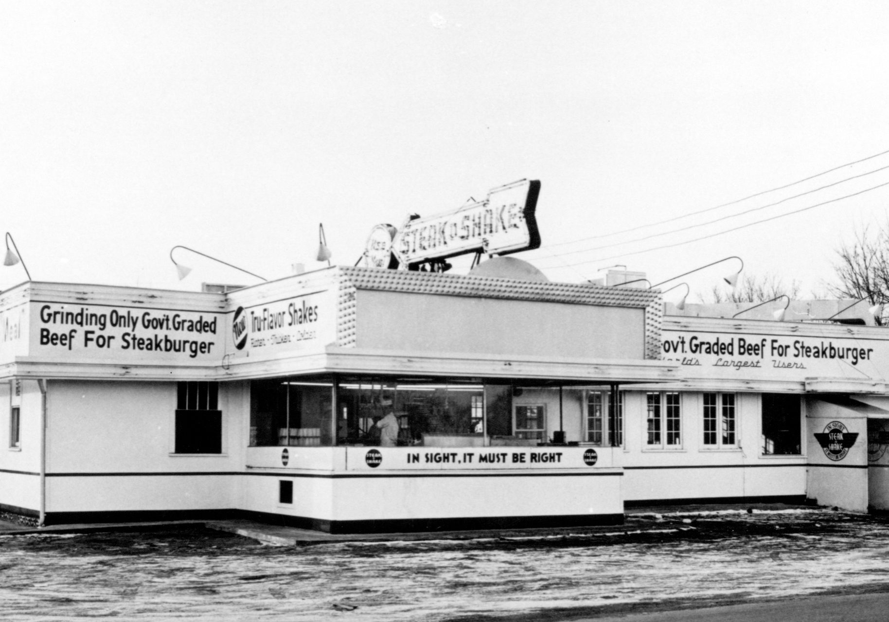 Original Steak 'n Shake on south Main Street, C. 1945